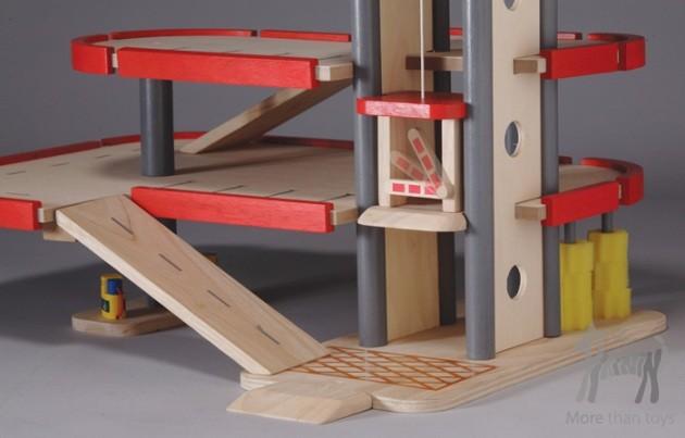 Drewniany Piętrowy Parking Garaż W Mały Ekolog Zabawki Drewniane