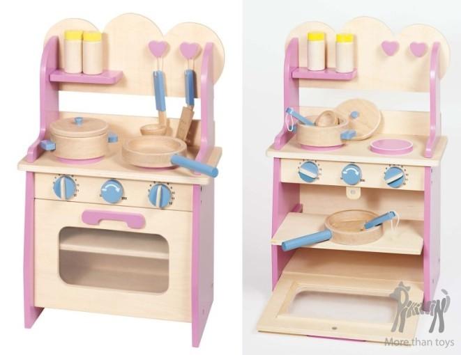 Drewniana Kuchnia Z Naczyniami W Dziecko Gotuje Zabawa W